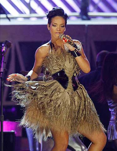 Rihanna performs her hit song Umbrella at the 50th Annual Grammy Awards in Los Angeles on Feb. 10, 2008. (REUTERS)