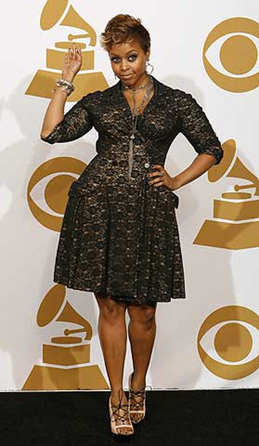 "Chrisette Michele poses backstage after winning Best Urban/Alternative Performance for ""Be OK"" at the 51st annual Grammy Awards in Los Angeles Feb. 8, 2009.     REUTERS/Mario Anzuoni"