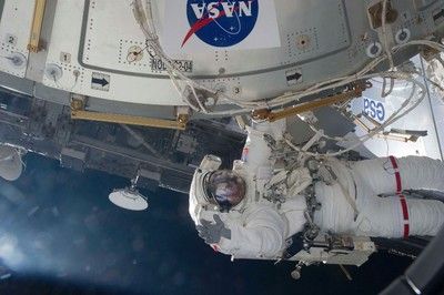 NASA astronaut Greg Chamitoff works outside the International Space Station during the space shuttle Endeavour's first spacewalk in support of construction and maintenance of the orbting laboratory in this photograph provided by NASA and taken May 20, 2011.(REUTERS/NASA/Handout)