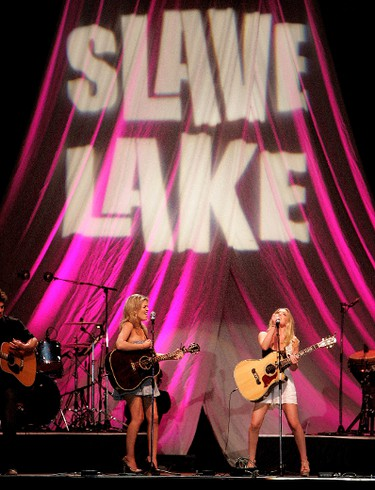 One More Girl's Carly McKillip and Britt McKillip perform during the CBC Benefit Concert for Slave Lake at the River Cree Casino in Edmonton, Wednesday June 15, 2011. DAVID BLOOM/EDMONTON SUN  QMI AGENCY