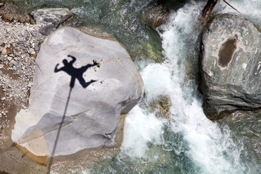 Bhote Khosi Bridge in Nepal is one of the world's longest and most picturesque jumps. If you want a less intense drop you can try the newly introduced swinging bungee jump. (Shutterstock.com)