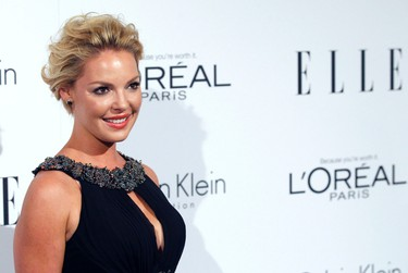 Actress Katherine Heigl poses at Elle's 18th Annual Women in Hollywood Tribute in Los Angeles October 17, 2011.   REUTERS/Mario Anzuoni (UNITED STATES - Tags: ENTERTAINMENT)