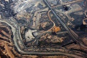 The Syncrude oilsands mine north of Fort McMurray, Alberta on November 3, 2011. (REUTERS/Todd Korol)