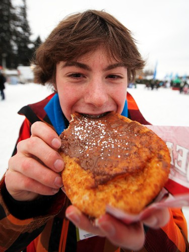 winterlude2012_06 - February 3, 2012  - Robin Worling tries out a BeaverTail on the Rideau Canal Skateway during the first day of the 2012 Winterlude winter festival Friday, February 3, 2012.  (DARREN BROWN/QMI AGENCY)