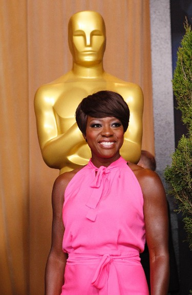 """Actress Viola Davis, best actress nominee for her role in """"The Help"""", arrives at the 84th Academy Awards nominees luncheon in Beverly Hills, California February 6, 2012.  (REUTERS/Mario Anzuoni)"""