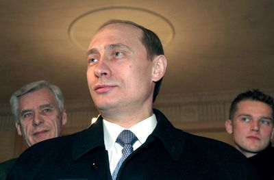Acting Russian President and Presidential candidate Vladimir Putin adresses the press at a polling station in Moscow, 26 March, 2000.
