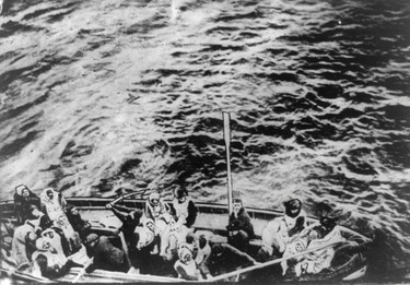 A lifeboat from the Titanic pulls alongside the Carpathia following the sinking of the Titanic, April 15, 1912. REUTERS/George Grantham Bain Collection/Library of Congress/Handout
