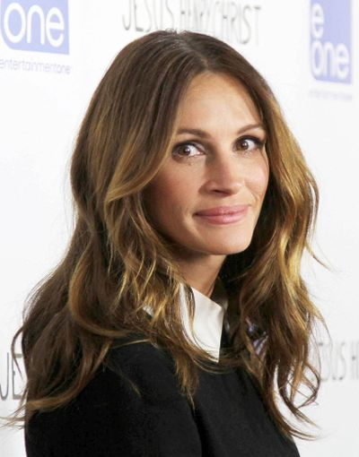 """<b>Julia Roberts </b> <br>Roberts has been a big star for a really long time. For all her forgettable movies, dubious romantic entanglements, and mid-interview cackles, you may find her annoying by now. What you <i>won't</i> find her is homely, because she's just a really gorgeous gal.  <Br>(FayesVision/<a href=www.wenn.com target=""""newwindow"""">WENN.com</a>)"""