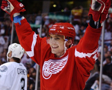 Sergei Fedorov, C Drafted: Fourth Round, 74th Overall Team: Detroit Red Wings Retired: 2009 (NHL), 2011 (KHL) Career Stats: 1,248 games, 483 goals, 696 assists (1,179 points) NHL Achievements: Frank J. Selke Trophy (1994, 1996), Lester B. Pearson Award (1994), Hart Trophy (1994) and Stanley Cup 3x (1997, 1998 and 2002).