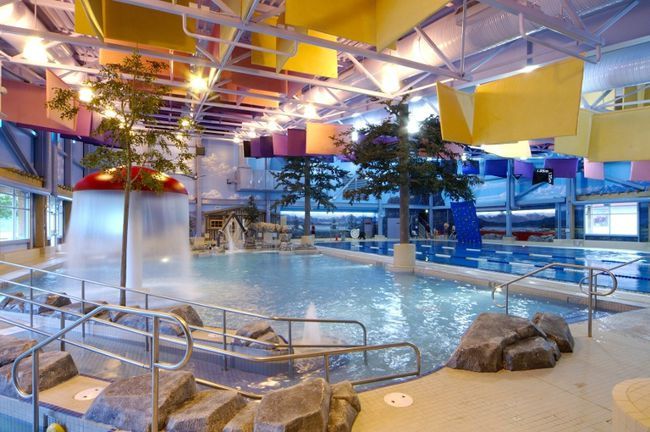 Best public pools in canada canada travel toronto sun for Fairbank swimming pool toronto