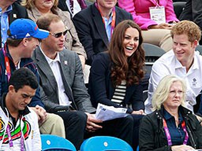 From left to right: Peter Phillips, Prince William, Kate Middleton, Duchess of Cambridge,and Prince Harry attend the Eventing Jumping equestrian event at the London 2012 Olympic Games in Greenwich Park, July 31, 2012. (REUTERS/Luke Macgregor)