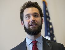 Reddit founder Alexis Ohanian