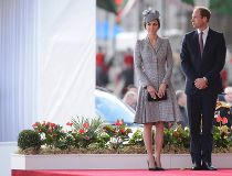 Britain's Catherine, Duchess of Cambridge and her husband Prince William attend the ceremonial welcome ceremony for Singapore's President Tony Tan at Horse Guards Parade in London