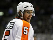 Flyers' Braydon Coburn, Andrew MacDonald out four weeks