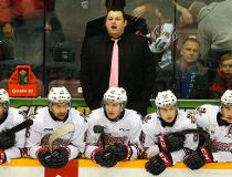 Oshawa Generals head coach D.J. Smith reacts to the officiating against the Peterborough Petes during first period OHL action on Saturday, Jan. 10, 2015 at the Memorial Centre in Peterborough. (Clifford Skarstedt/Peterborough Examiner/Postmedia Network)