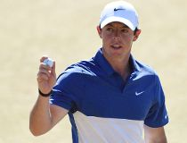 Rory McIlroy waves to the crowd after putting on the 18th green in the final round of the 2015 U.S. Open golf tournament at Chambers Bay. Kyle Terada-USA TODAY Sports