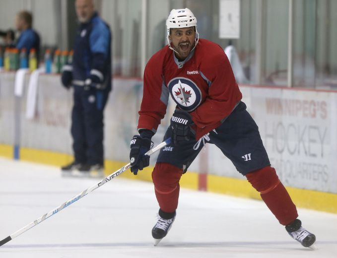 Dustin Byfuglien 'just comes to work' with Winnipeg Jets