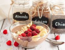 mocha almond smoothie bowl