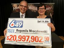 Edmonton woman wins nearly $21 million Lotto 6/49 jackpot