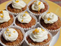 Carrot and quinoa mini-muffins
