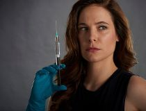Canadian actress Caroline Dhavernas as Dr. Mary Harris in Mary Kills People.