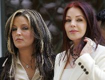 Lisa Marie Presley and her mother Priscilla Presley