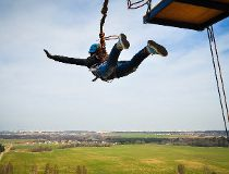 Poor English may have caused bungee-jumping death
