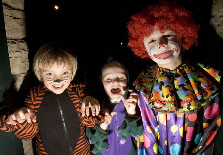 the truth behind the urban legends Have you heard the urban legend of the hanging man in the funhouse the scary stories and terrifying tales of halloween are not confined to the dark countryside.