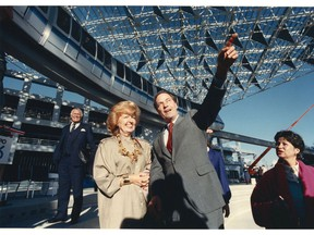 Grace McCarthy (left) with Premier Bill Bennett February 17, 1986 during the construction of Expo 86.