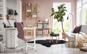 Arrange work accessories with the goal of being as efficient as possible. IKEA.