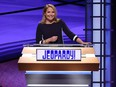Katie Couric debuts as Jeopardy…