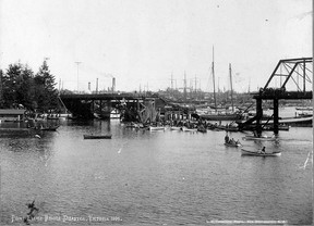 Point Ellice Bridge Disaster Victoria, May 26, 1896. S.J. Thompson/ Wallace B. Chung and Madeline H. Chung Collection Rare Books and Special Collections UBC Library CC_PH_02882