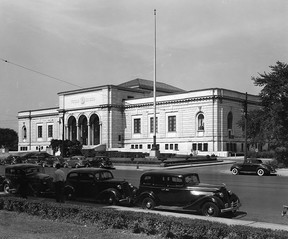 The entrance to the Detroit Institute of Arts is pictured in this 1939 file photo. (FILES/The Windsor Star)