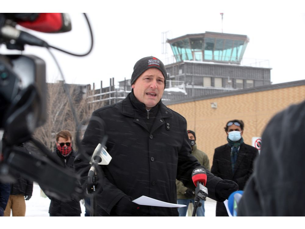 Dilkens calls on federal ministers to save Windsor airport's air traffic control tower