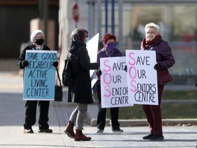 Seniors gathered at City Hall, in Winnipeg, to draw attention to the legal battle between the City of Winnipeg and Good Neighbours Active Living Centre. Thursday, Oct., 15, 2020. Chris Procaylo/Winnipeg Sun